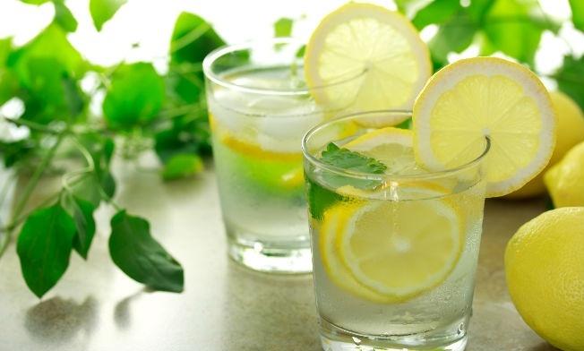 como bajar de peso rapido con agua de limon